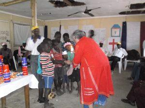De olika grupperna sänds att fortsätta proklamera fred, så också barnen.