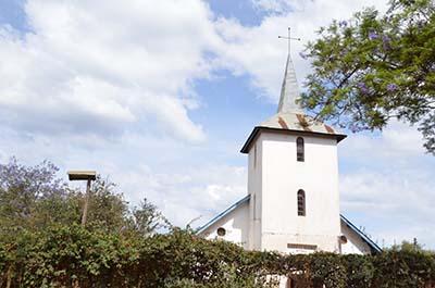 Kyrkan på Matongo, byggd av Martin Lundström.